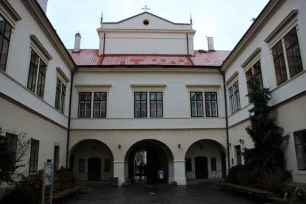 Nádvoří Choceňského zámku
