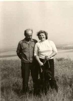 Manželé Vosáhlovi s jedním ze svých setrů.