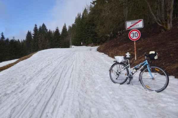 datum ? soustředění před výstupem do kopců - přezouvání na zimní provoz......