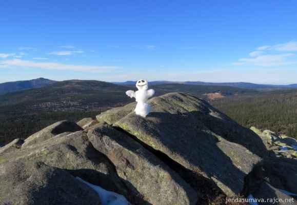 26.11.2020 • Na hřebenech Šumavy - to jsou výhledy ž vrcholu Luzného k Javoru... lehká závist
