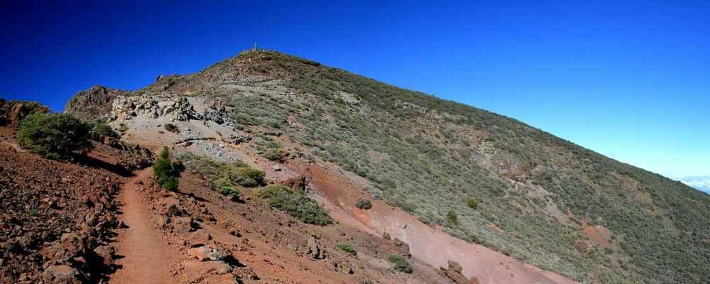 ...přes Pico de La Cruz (2361 m.n.m.)...