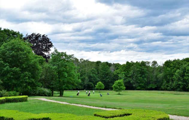 velkou část parku zabralo golfové hřiště
