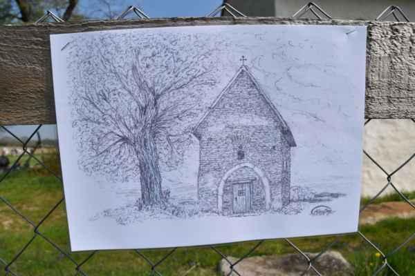 Objavil sa tu aj táto úžasná kresba kapličky a maľoval to Alan Craig, dokonca som ho fotil, keď tu sedel a maľoval to, no nepoznal som ho, čo je to a kto je to, dnes už to viem.