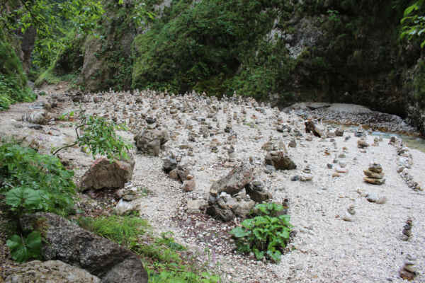 Plantáž kamenných mužíků :-D