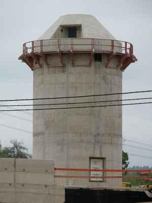Ptyč  (23) - Údajně prý měly být nahoře ve věžích protiletadlové řízené střely FIM-92 Stinger.http://www.army.cz/scripts/detail.php?id=534 http://cs.wikipedia.org/wiki/FIM-92_Stinger